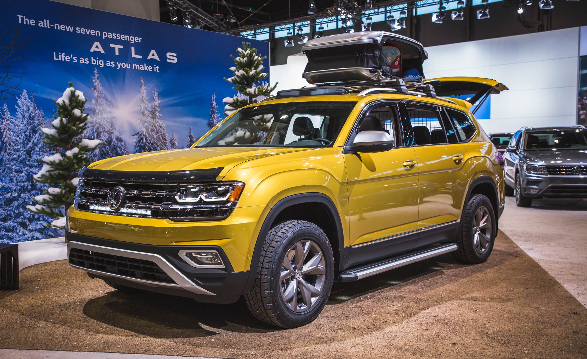 volkswagen unveils new 2018 atlas. modren atlas the automaker is taking the opportunity to show consumers potential  accessories for its new 2018 atlas suv by way of weekend edition  with volkswagen unveils atlas e