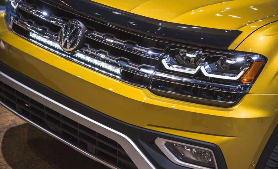 2018 Volkswagen Atlas Weekend Edition - Slide 6