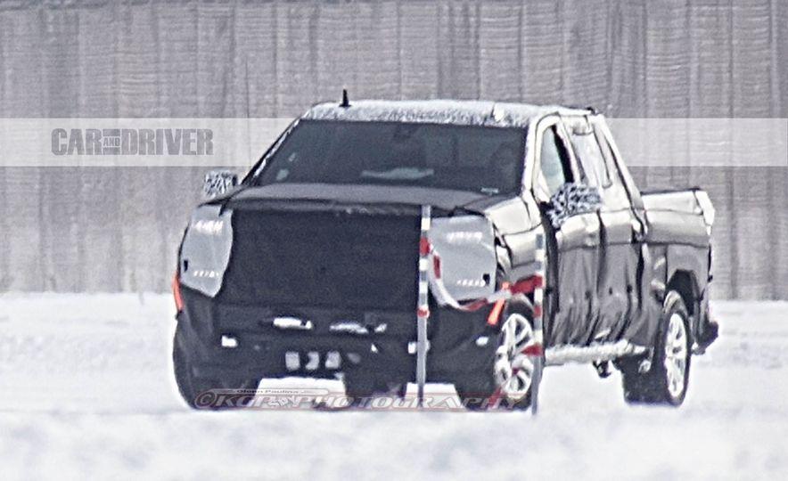 2019 Chevrolet Silverado (spy photo) - Slide 1