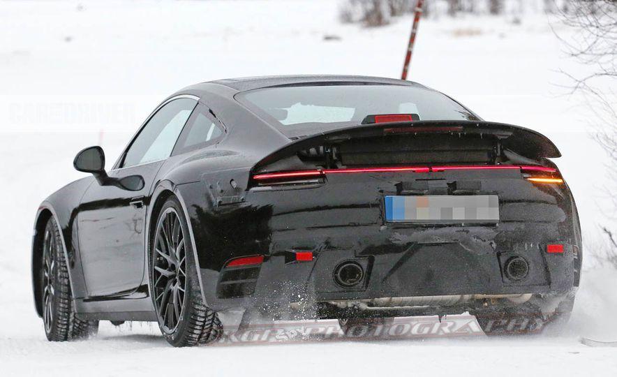 2020 Porsche 911 (spy photo) - Slide 9