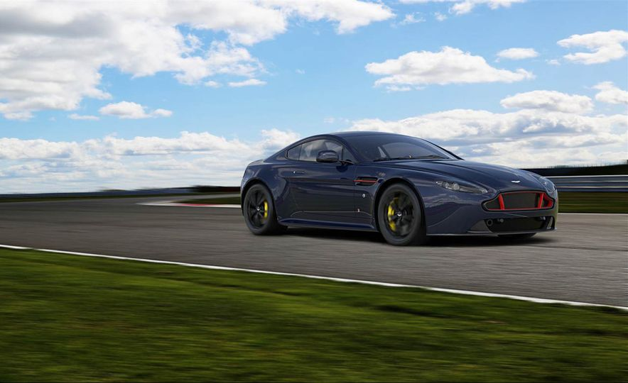 Aston Martin V8 Vantage S Red Bull Racing Edition - Slide 1