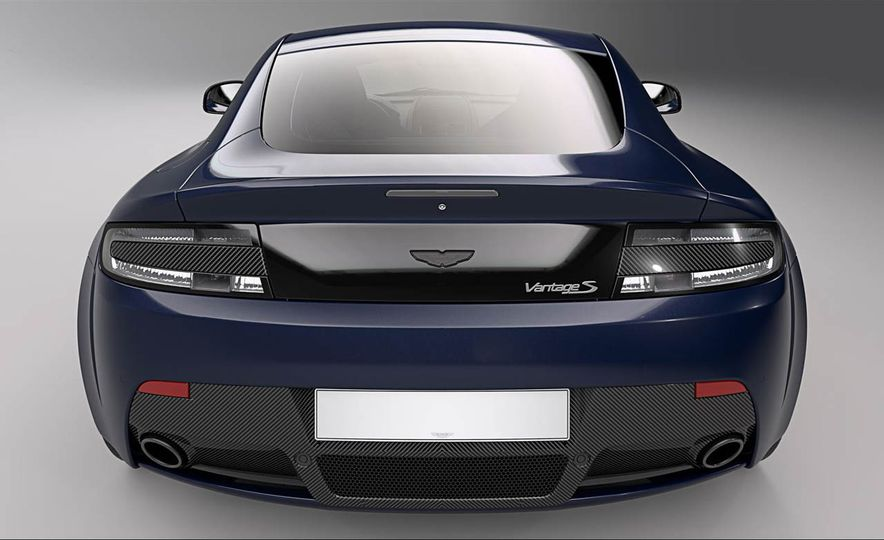 Aston Martin V8 Vantage S Red Bull Racing Edition - Slide 6