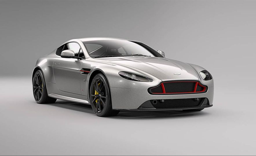 Aston Martin V8 Vantage S Red Bull Racing Edition - Slide 20