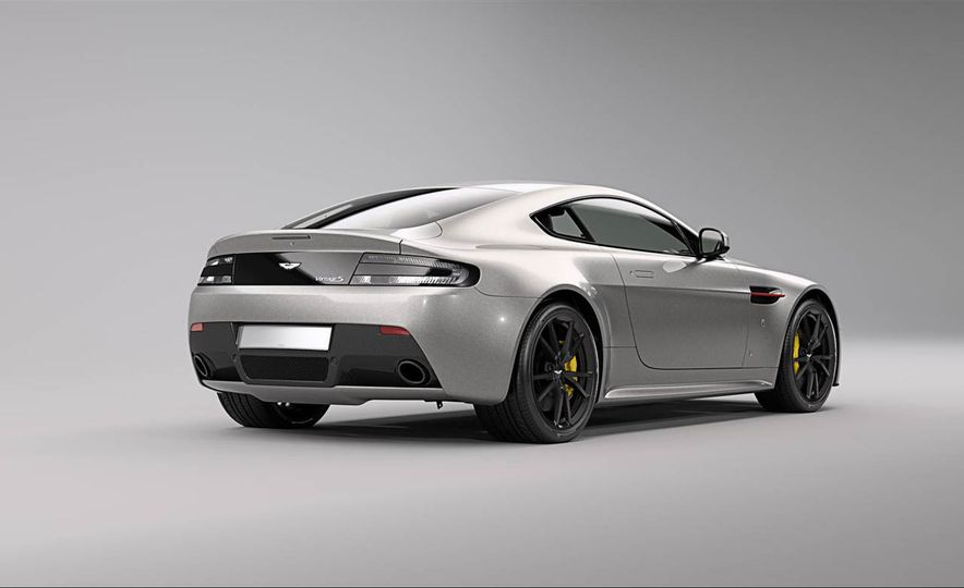 Aston Martin V8 Vantage S Red Bull Racing Edition - Slide 21