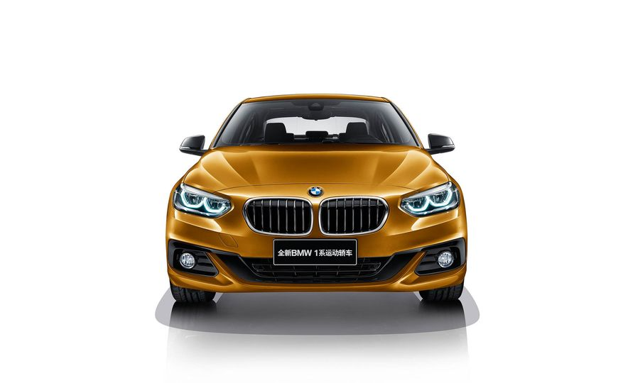 BMW 125i (Chinese-spec) - Slide 1