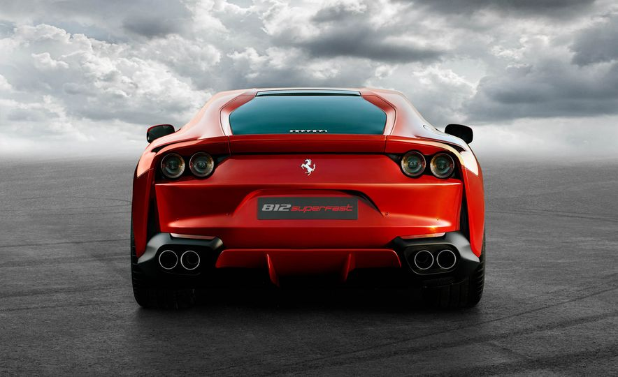 Ferrari 812 Superfast - Slide 11