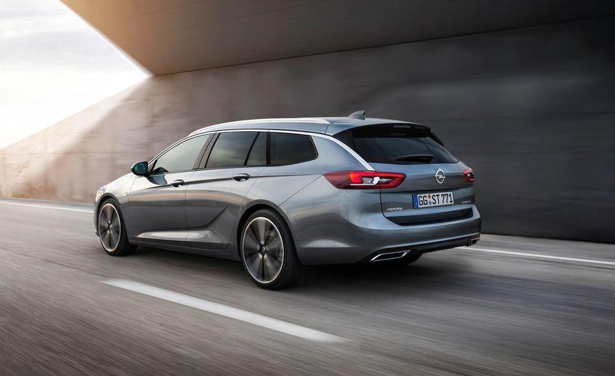Opel Insignia Sports Tourer (Euro-spec) - Slide 4