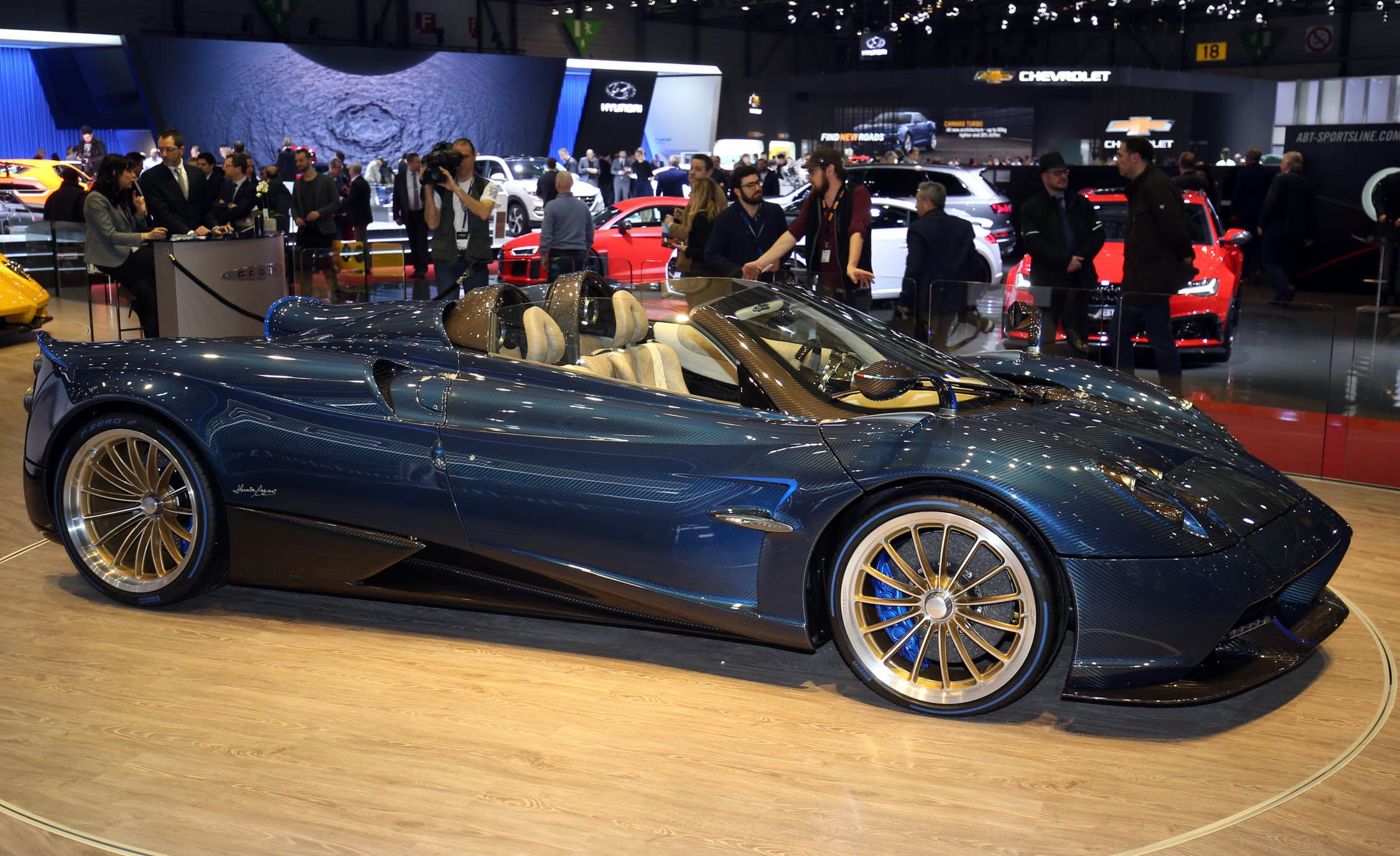 Pagani Huayra Reviews | Pagani Huayra Price, Photos, and Specs | Car