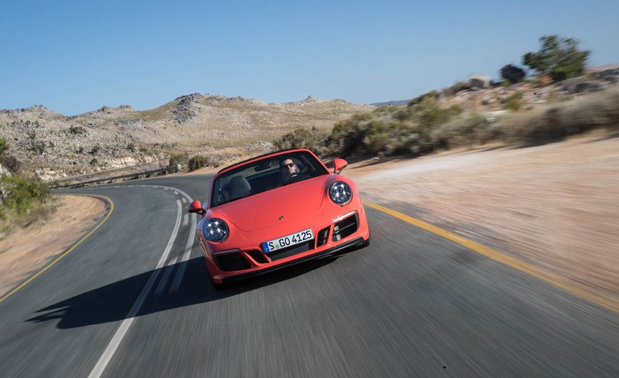 2017 Porsche 911 Targa 4 GTS - Slide 1