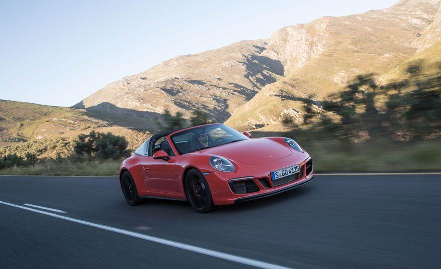 2017 Porsche 911 Targa 4 GTS - Slide 4