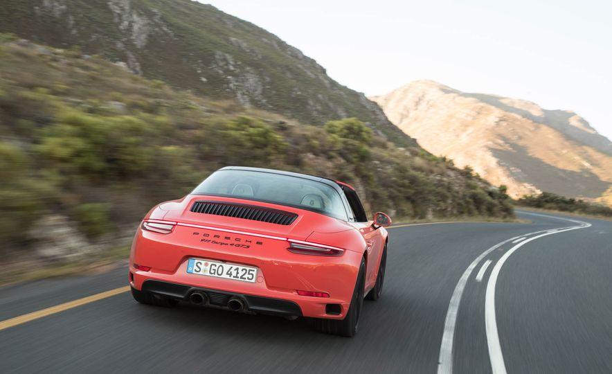 2017 Porsche 911 Targa 4 GTS - Slide 6