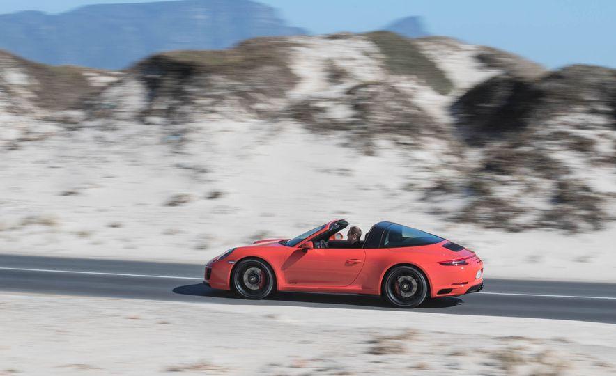 2017 Porsche 911 Targa 4 GTS - Slide 8