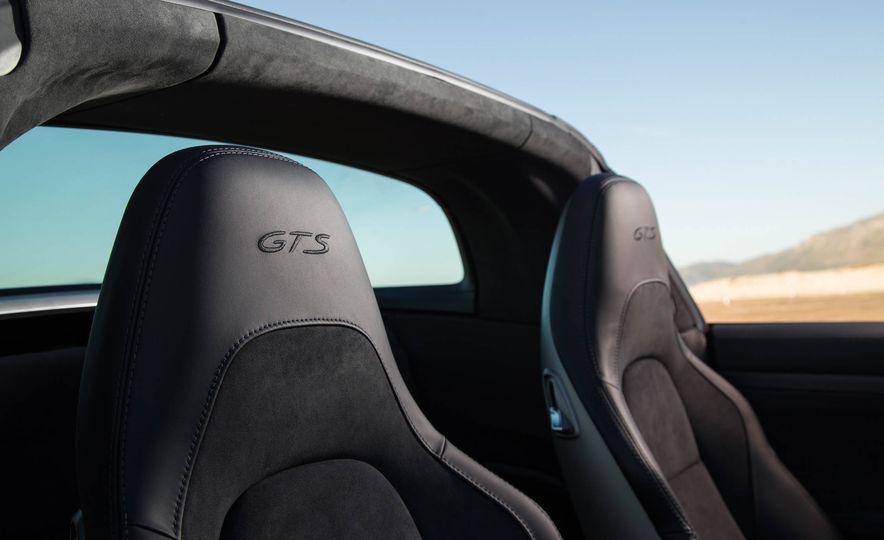 2017 Porsche 911 Targa 4 GTS - Slide 24