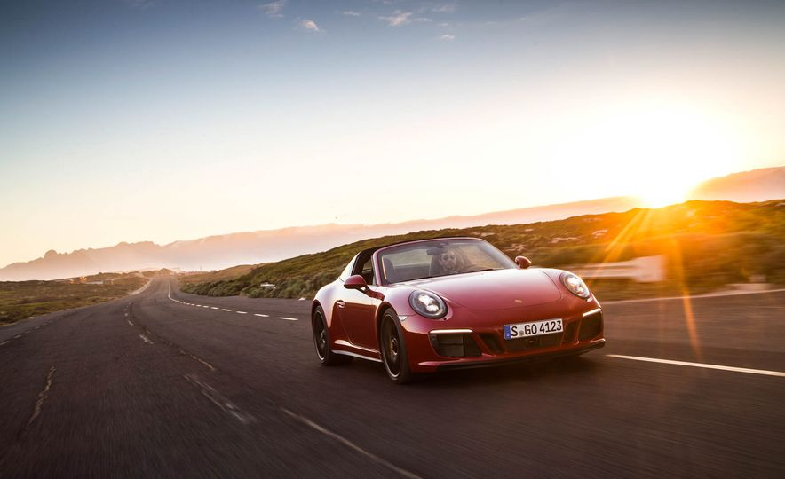 2017 Porsche 911 Targa 4 GTS - Slide 25