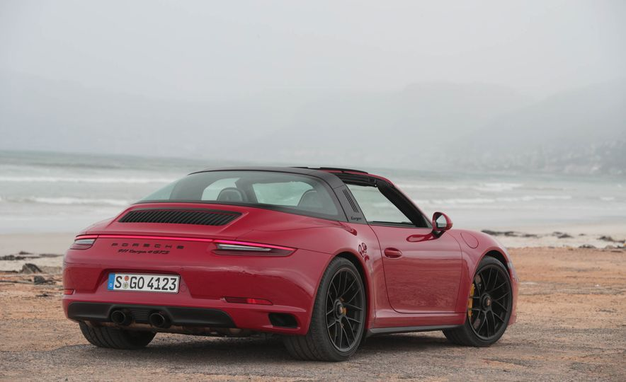 Development of a Porsche 911 Plug-In Hybrid Is Truly Dead - Slide 25