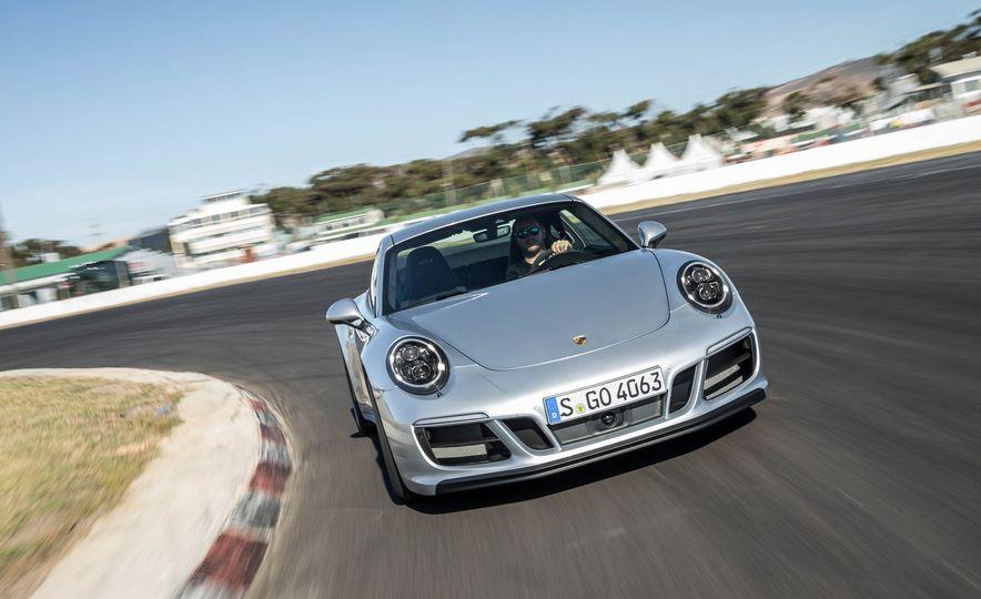 2017 Porsche 911 Targa 4 GTS - Slide 44