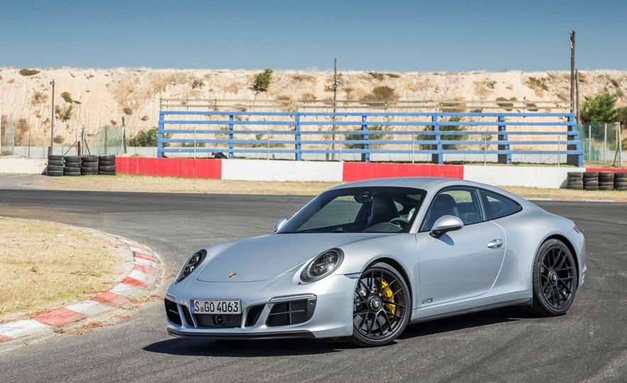 2017 Porsche 911 Targa 4 GTS - Slide 50