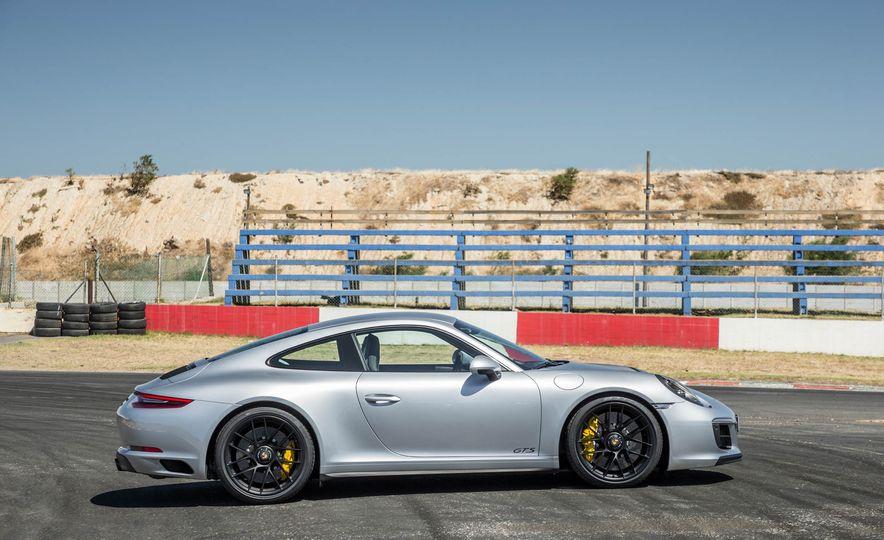 2017 Porsche 911 Targa 4 GTS - Slide 51