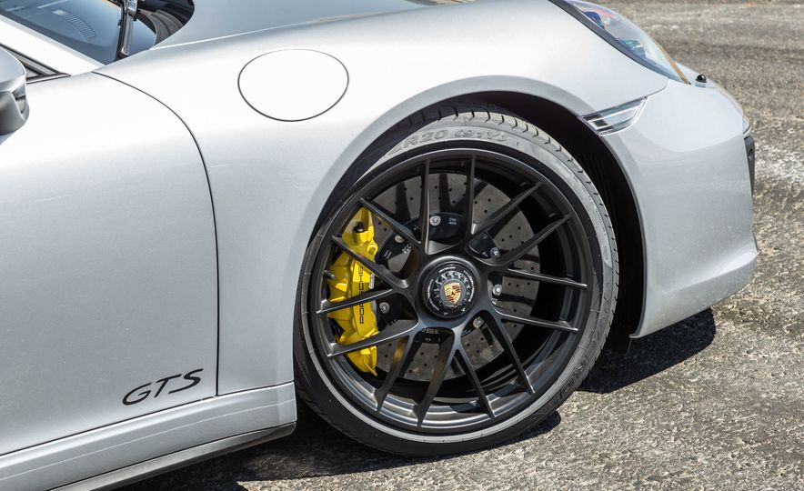 2017 Porsche 911 Targa 4 GTS - Slide 53