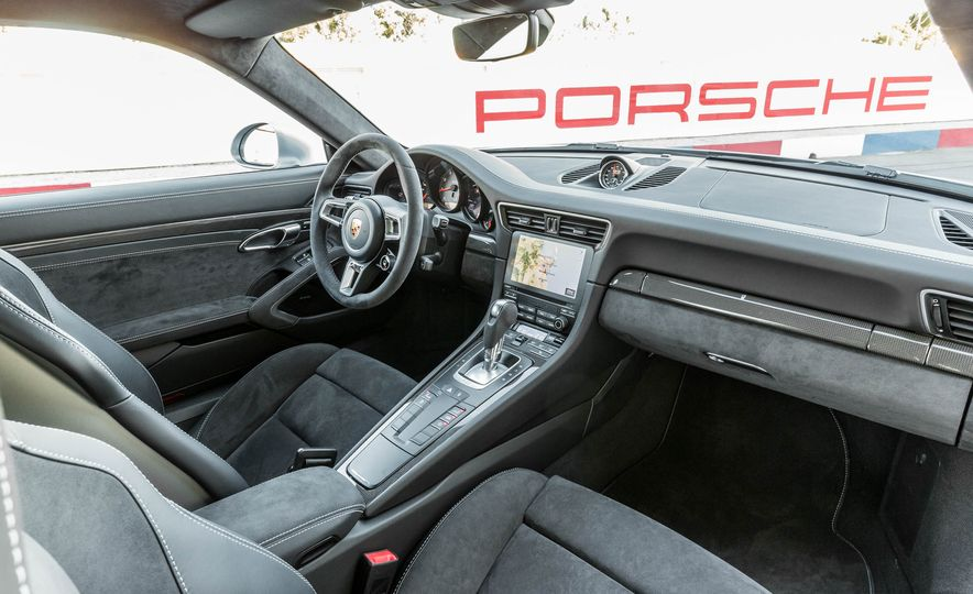 2017 Porsche 911 Targa 4 GTS - Slide 57