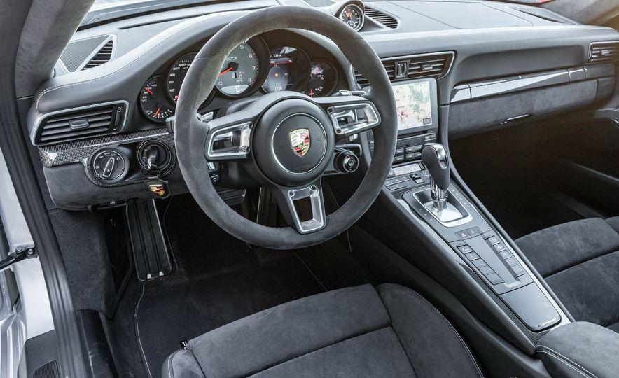 2017 Porsche 911 Targa 4 GTS - Slide 58