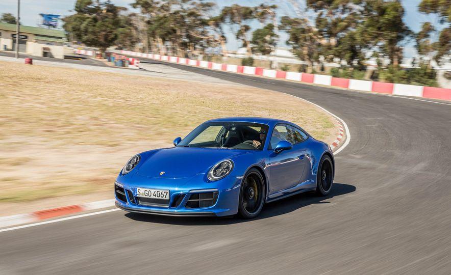 2017 Porsche 911 Targa 4 GTS - Slide 64