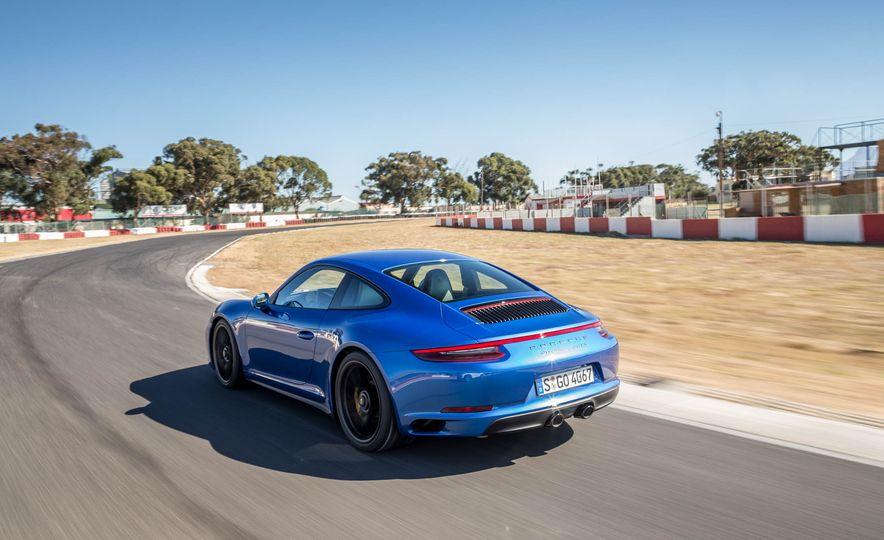 2017 Porsche 911 Targa 4 GTS - Slide 66