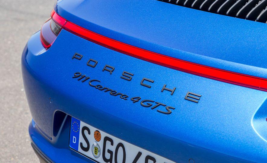 2017 Porsche 911 Targa 4 GTS - Slide 77