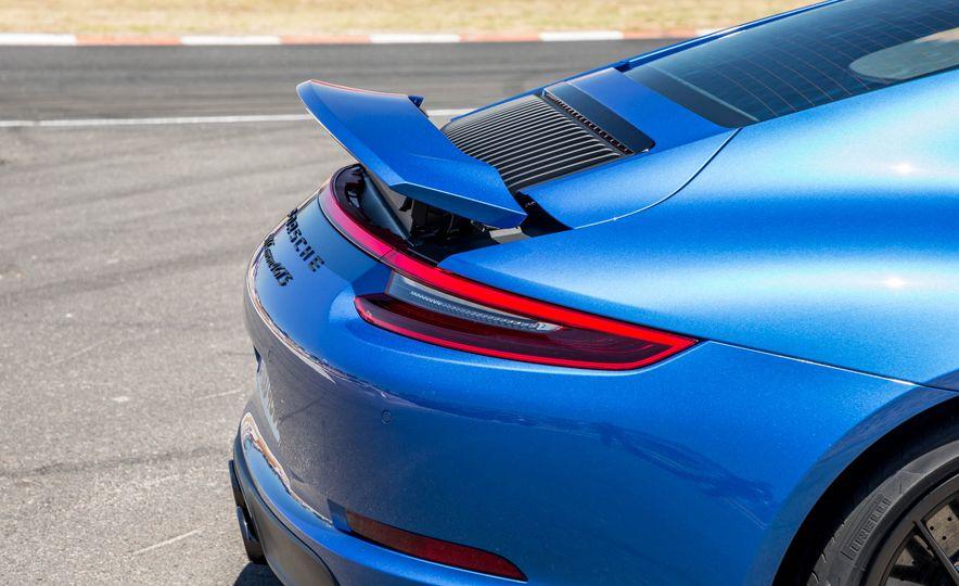 2017 Porsche 911 Targa 4 GTS - Slide 78