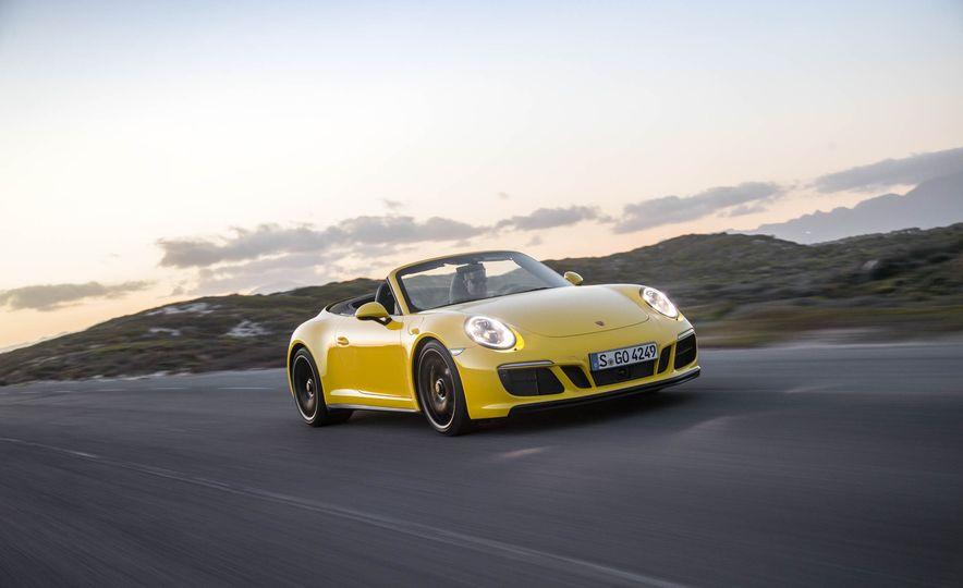 2017 Porsche 911 Targa 4 GTS - Slide 91