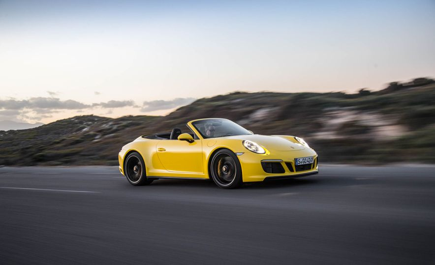 2017 Porsche 911 Targa 4 GTS - Slide 92