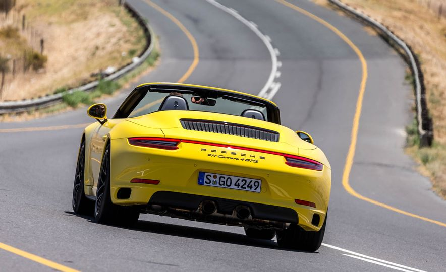 2017 Porsche 911 Targa 4 GTS - Slide 97