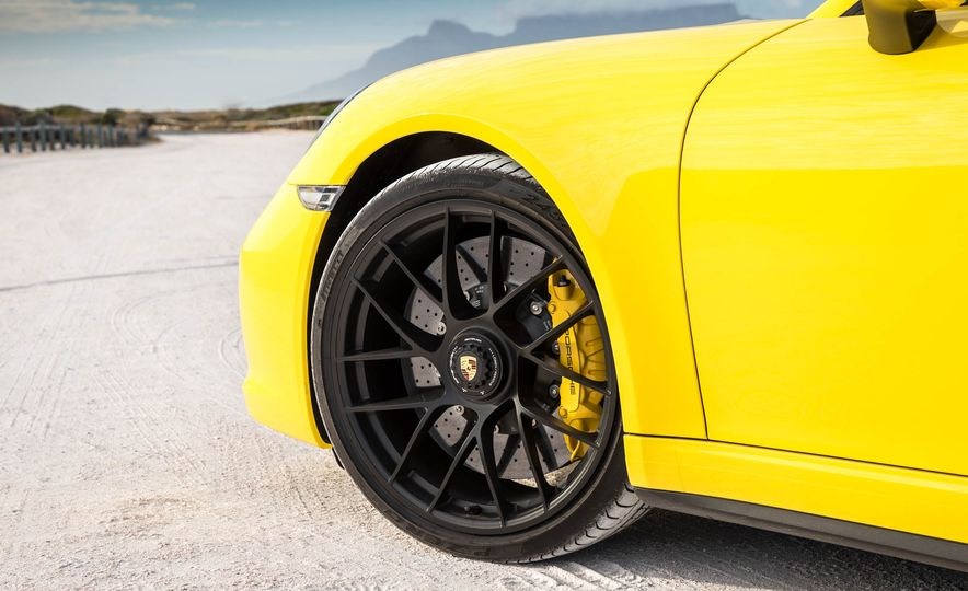 2017 Porsche 911 Targa 4 GTS - Slide 100