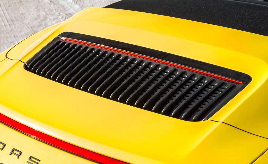2017 Porsche 911 Targa 4 GTS - Slide 103