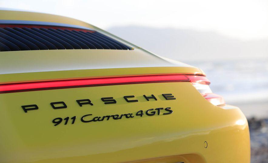 2017 Porsche 911 Targa 4 GTS - Slide 104