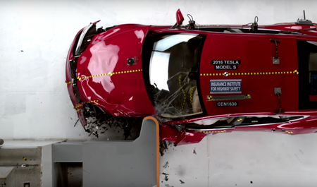 Tesla Model S Misses Top Score in IIHS Small-Overlap Front Crash Test