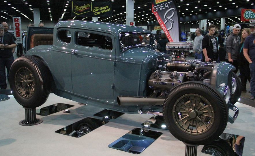 Hottest Rods: The Coolest Custom Classics from the 2017 Autorama Show - Slide 3