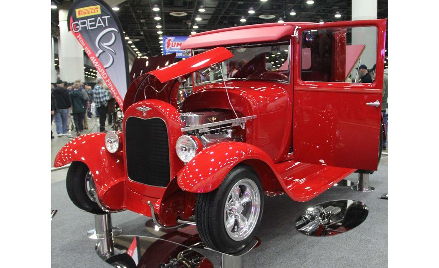 Hottest Rods: The Coolest Custom Classics from the 2017 Autorama Show - Slide 9