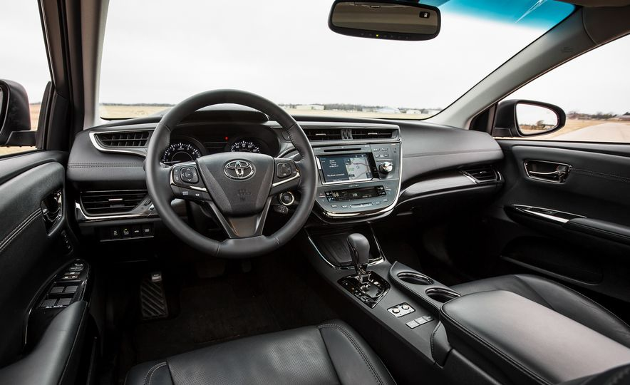 2016 Toyota Avalon Limited - Slide 18
