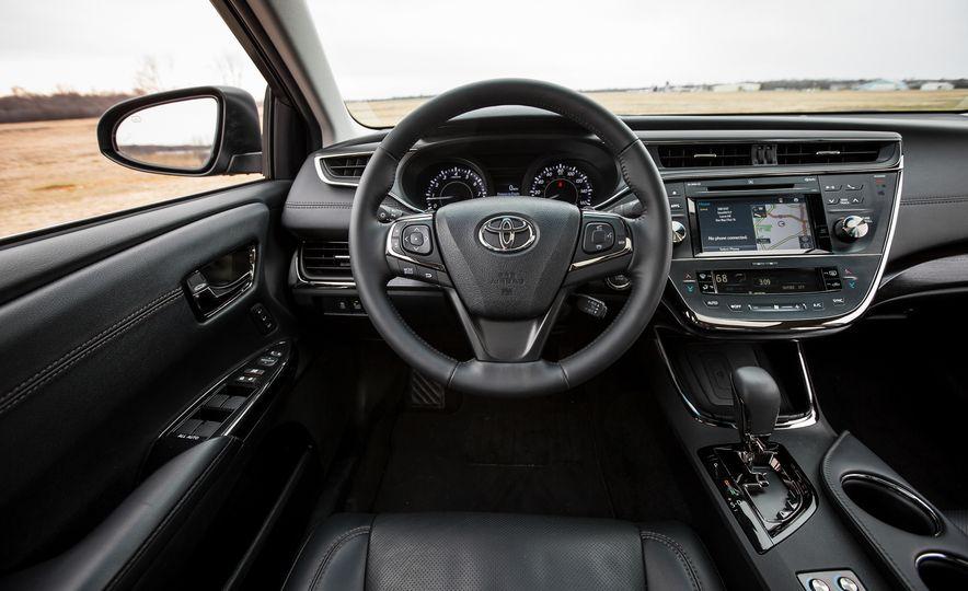 2016 Toyota Avalon Limited - Slide 26