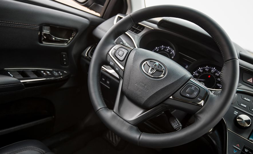 2016 Toyota Avalon Limited - Slide 28