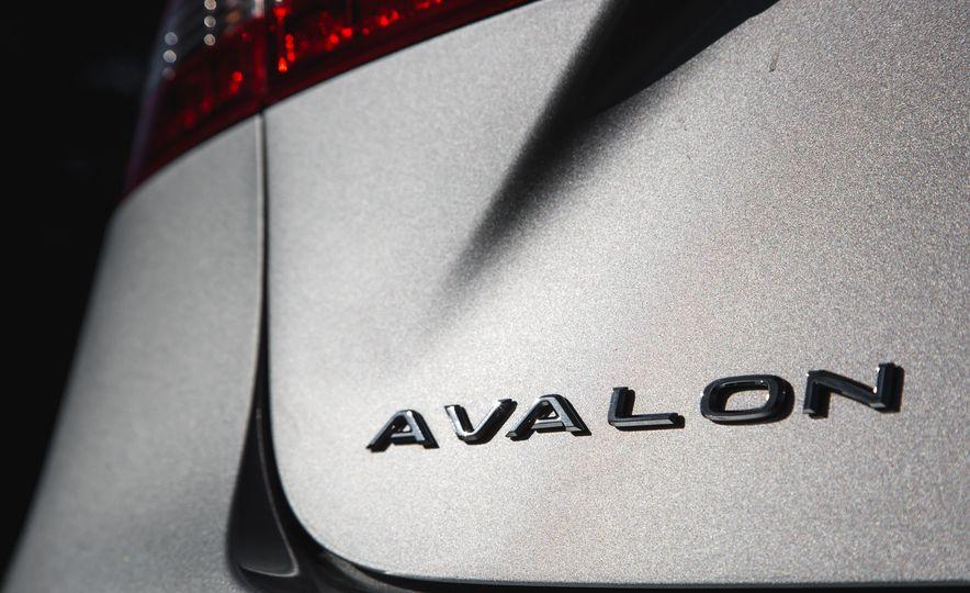 2016 Toyota Avalon Limited - Slide 66