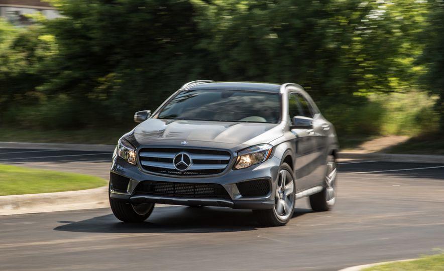2016 Mercedes-Benz GLA250 4MATIC - Slide 12
