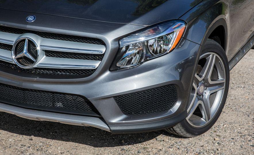 2016 Mercedes-Benz GLA250 4MATIC - Slide 17