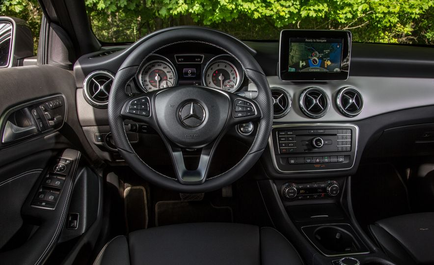 2016 Mercedes-Benz GLA250 4MATIC - Slide 35