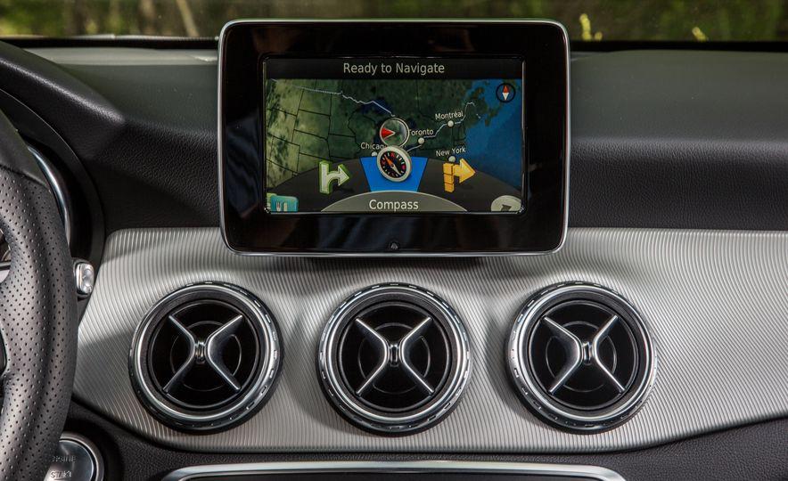 2016 Mercedes-Benz GLA250 4MATIC - Slide 40