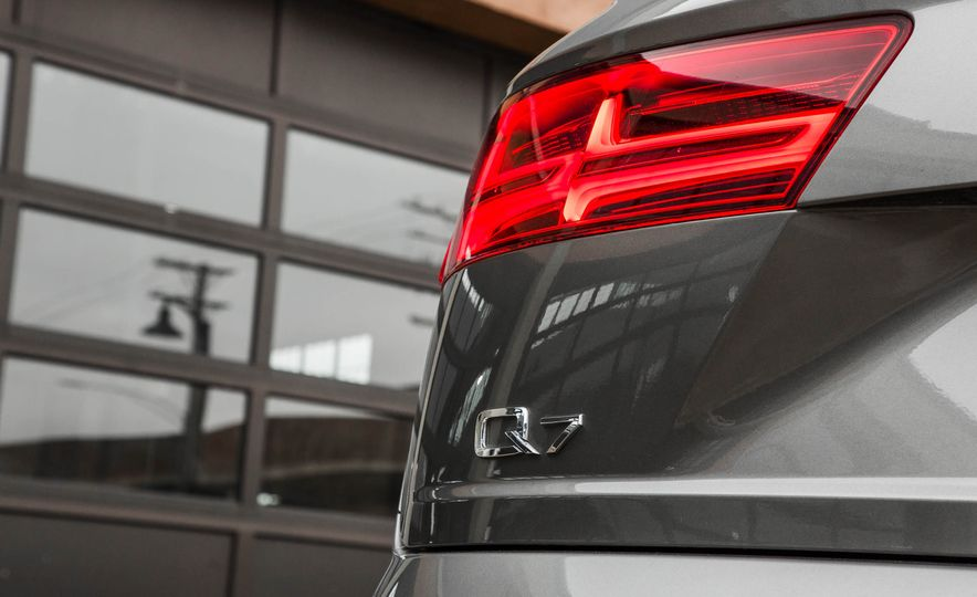 2017 Audi Q7 - Slide 130