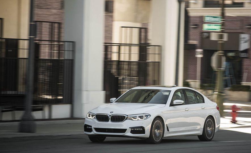 2017 BMW 540i xDrive - Slide 3