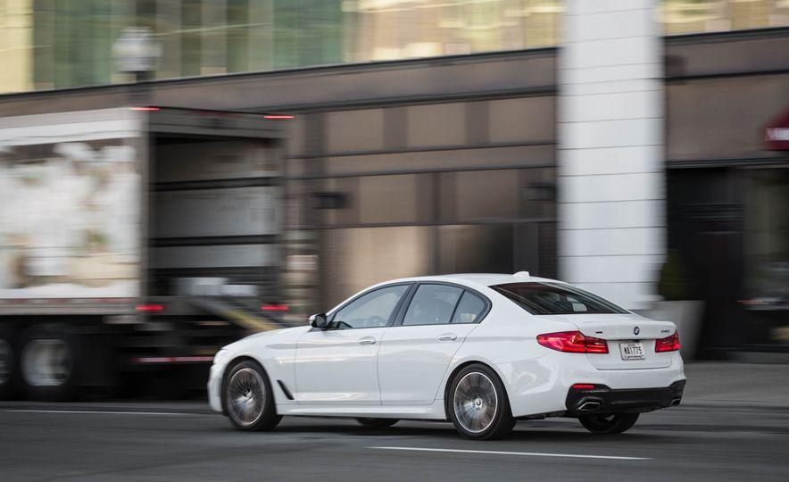2017 BMW 540i xDrive - Slide 9