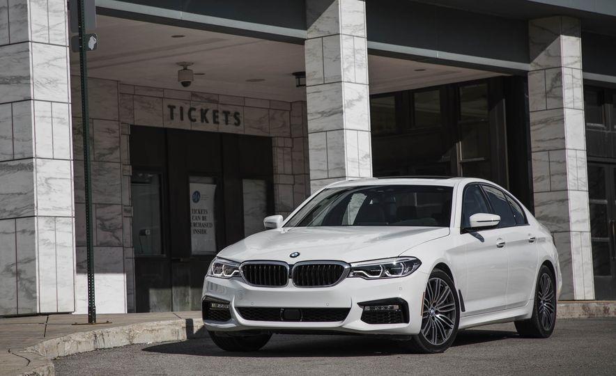 2017 BMW 540i xDrive - Slide 11